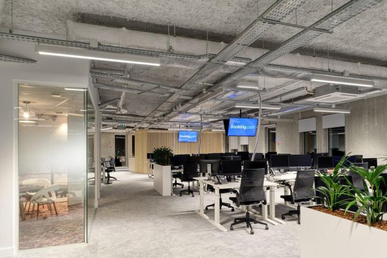 2000平工装办公室装修设计效果图欣赏